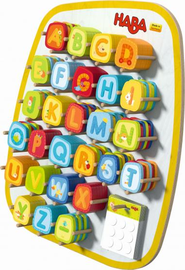 Haba Holzbuchstaben 9 Stück im Set inkl. Klebepunkte