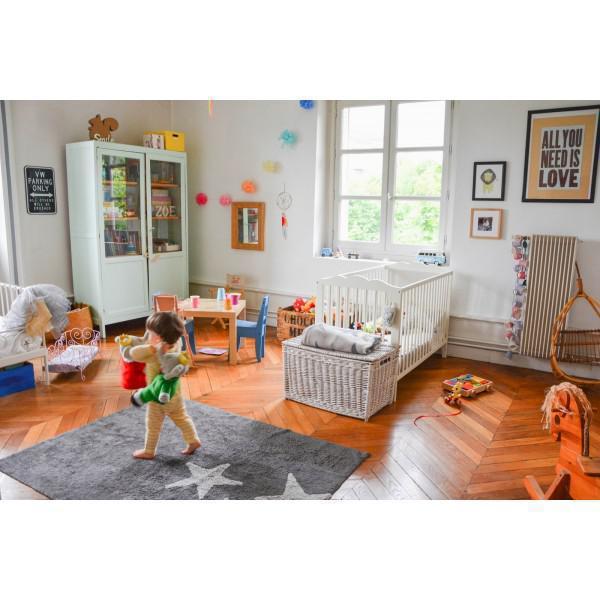 lorena canals kinderteppich drei sterne grau waschbare kinderteppiche im. Black Bedroom Furniture Sets. Home Design Ideas